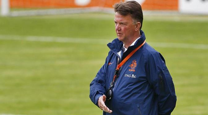 NEWS: Van Gaal to step down after World Cup